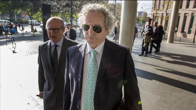 El fiscal pide 9 años de cárcel para Ildefonso Falcones por defraudar a Hacienda