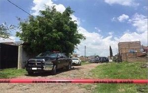 Autoridades en México buscan cuerpos en fosas clandestinas.