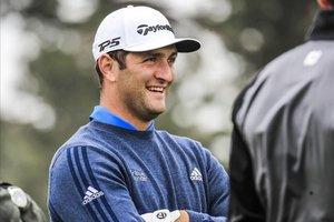 Jon Rahm, sonriente en la vuelta de práctica antes del inicio del PGA