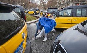Jornada de huelga de taxis en la Gran Vía de Barcelona, en enero del 2019.