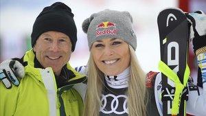 Lindsey Vonn, con la leyenda sueca Ingemar Stenmark, este domingo en Are.