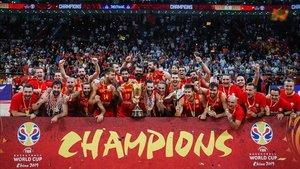 Los jugadores de España, felices con la conquista en China.