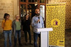 Los representantes de la CUP Maria Rovira, María José Lecha, Roser Vime (del secretariado municipal) y Josep Garganté.