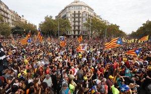 Manifestación independentista en el paseo de Gràcia.
