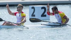 Marcus Cooper y Rodrigo Germade celebran su triunfo en Castelldefels