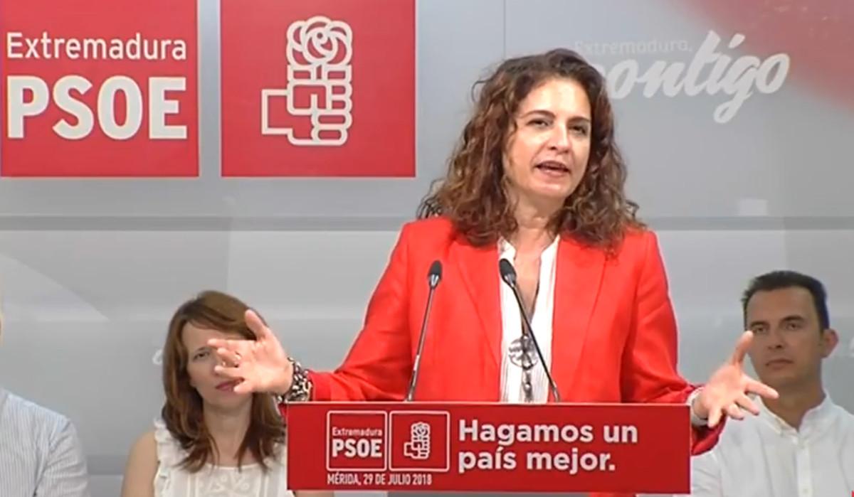 La ministra de Hacienda, María Jesús Montero, durante el acto socialista de este domingo en Mérida.