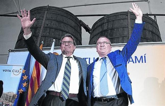 Mas junto al alcalde de Reus, Carles Pellicer, jueves, 21 de mayo, en el mitin.