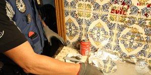 Alijo de droga hallado por la Policía Municipal en unnarcopiso de Vallecas.