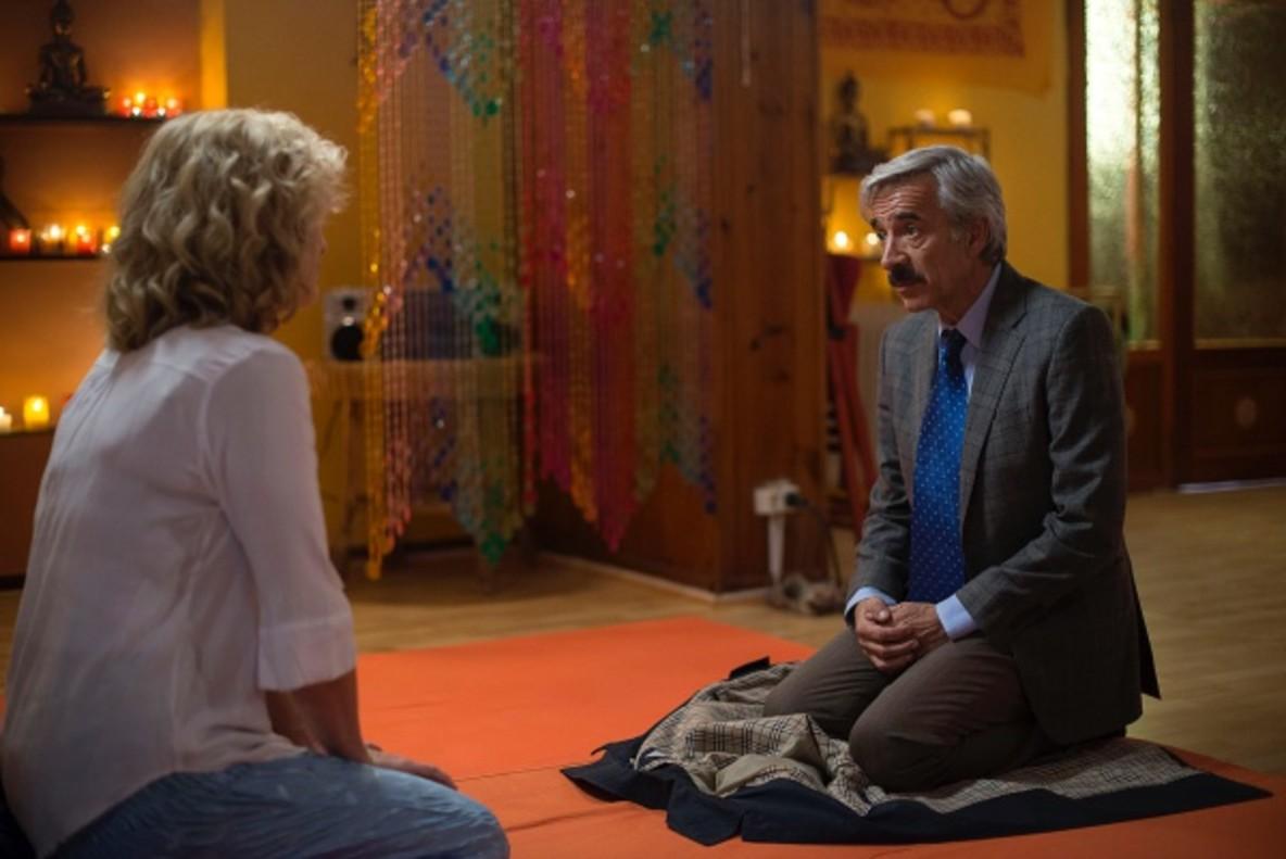 Una llamada descolocará por completo a Antonio en la nueva entrega de 'Cuéntame'