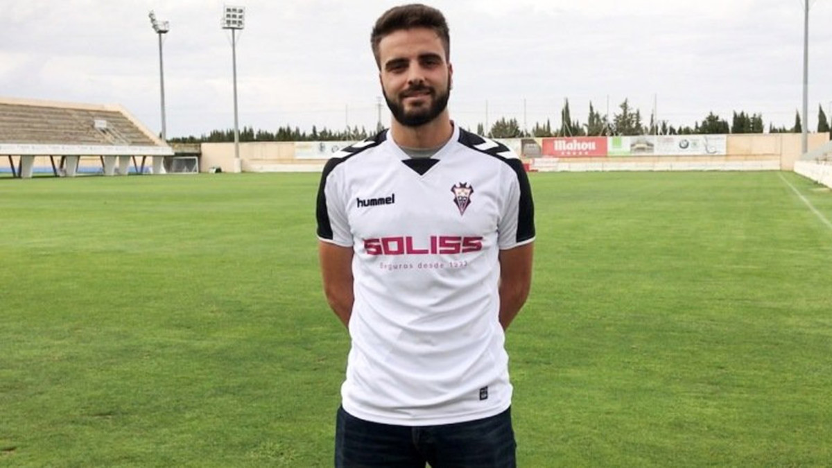 Pelayo Novo, futbolista del Albacete Balompié.