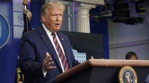 El presidente de EEUU, Donald Trump, durante una rueda de prensa en la Casa Blanca, el miércoles 12 de agosto.