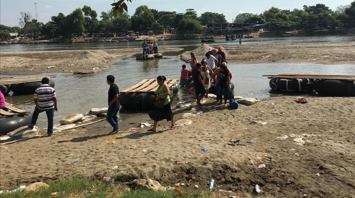 Principal paso clandestino del rÍo Suchiate, vía de entrada a México desde Guatemala, donde los migrantes cruzan a nado o en balsas.
