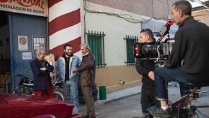 Ricardo Gómez e Imanol Arias, en el rodaje de la nueva entrega de Cuéntame cómo paso.