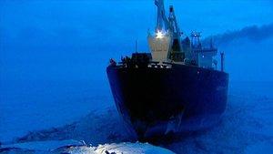 Un buque en el océano Ártico.