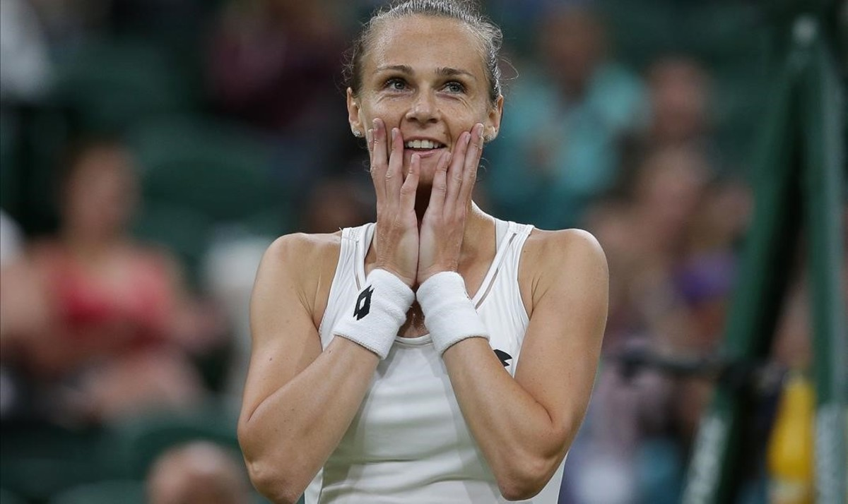 Rybarikova muestra su sorpresa tras alcanzar las semifinales de Wimbledon.