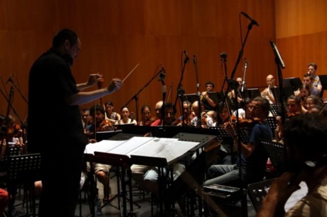 El sabadellenc Gerard Pastor dirigeix la Furius Music Orquestra per crear la banda sonora de Barcelona 1714.