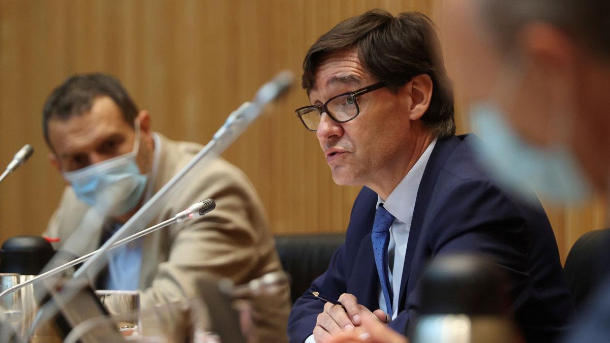 Sanidad tiene registrados 412 brotes activos de coronavirus. En la foto, el ministro Salvador Illa durante la presentación de las cifras.