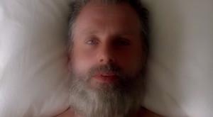 Rick Grimes (Andrew Lincoln), tal como aparece en el tráiler de la octava temporada de The walking dead.