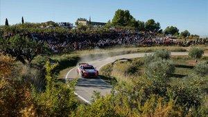 Thierry Neuville conduce su Hyundai en el tramo de Rodonyà.