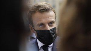França declara el toc de queda a París i altres zones metropolitanes