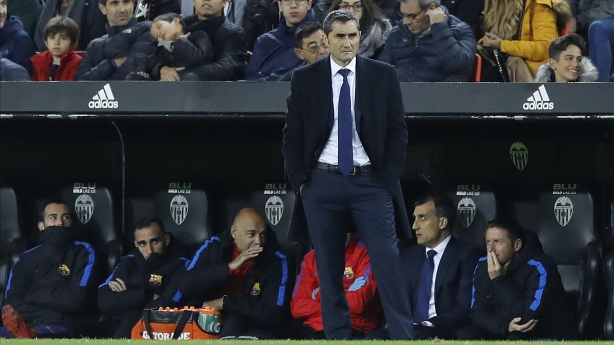 Valverde, en Mestalla durante el Valencia-Barça.