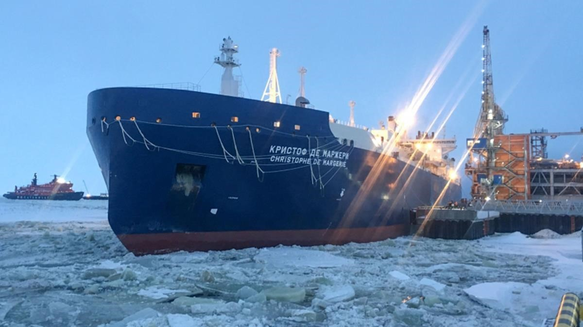 Un gran metaner travessa per primera vegada l'Àrtic entre Europa i Àsia