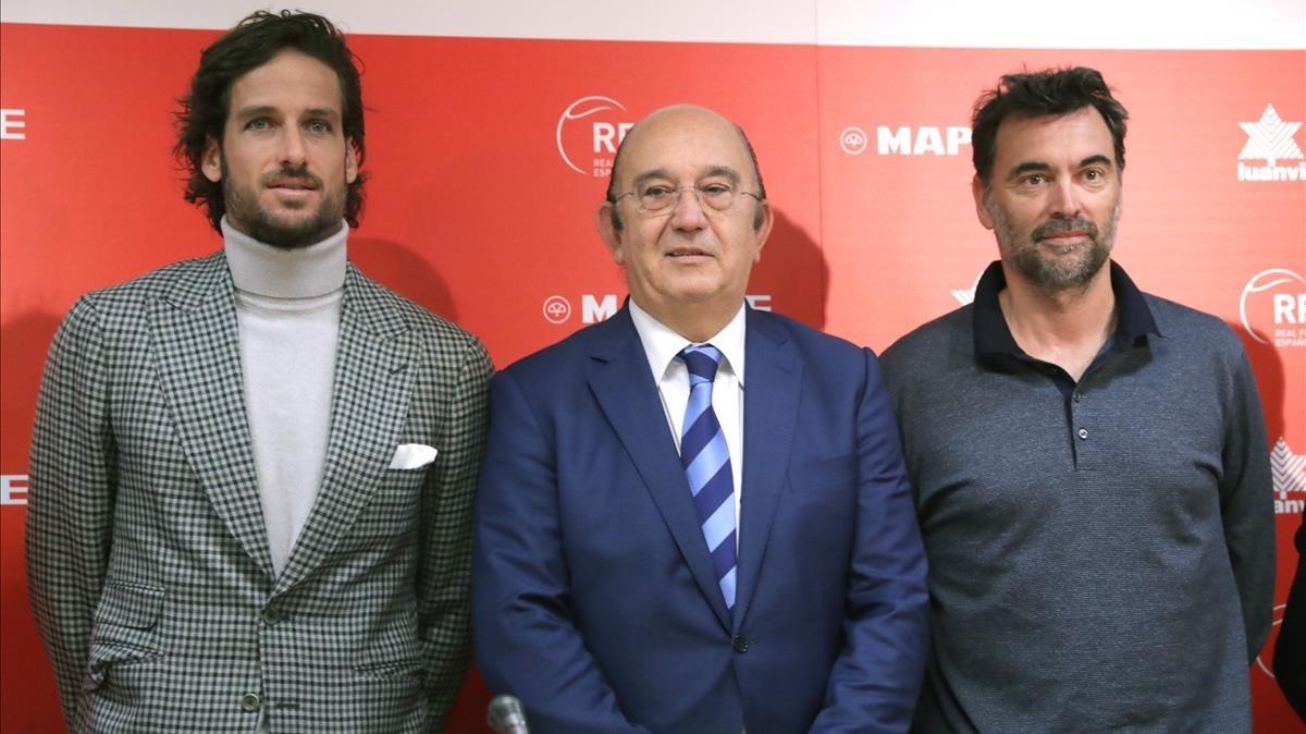 Feliciano López, Miguel Díaz y Sergi Bruguera, de izquierda a derecha, en la presentación del equipo para la Copa Davis.