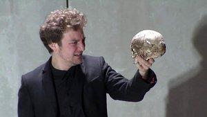 Pol López en 'Hamlet', uno de los montajes recuperados por el Lliure emitidos su canal de Youtube durante el confinamiento.