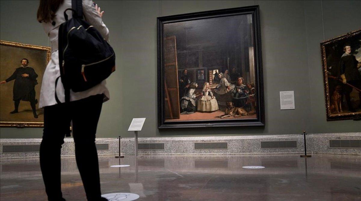 'Las Meninas', de Velázquez, en el Prado, tras la reapertura post-confinamiento.