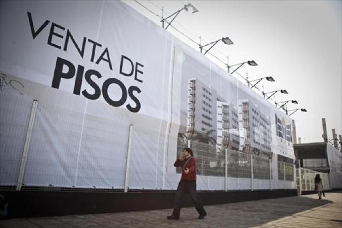 Promoción de viviendas en construcción en el barrio del Gorg de Badalona.