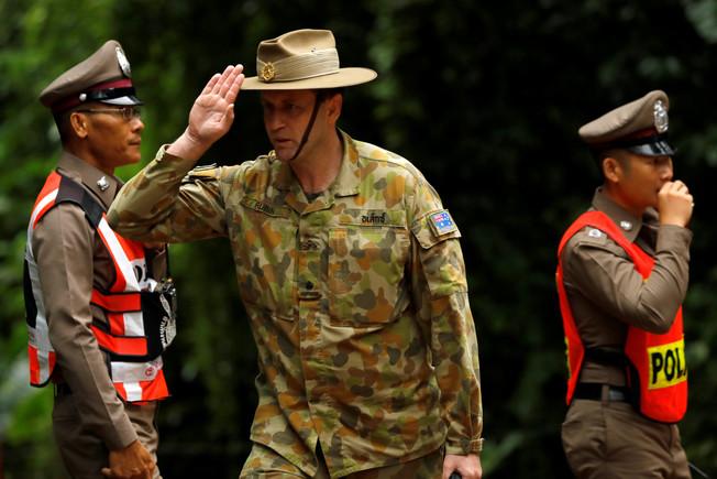 Un mando del equipo militar australiano que colabora en el rescate de los niños de la cueva de Tailandia