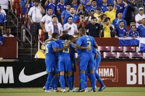 Neymar i Coutinho destrossen la selecció del Salvador