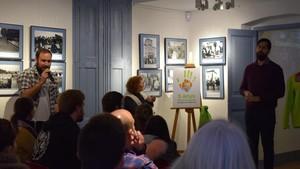 Els Castellers de Viladecans presenten el programa d'actes del seu 5èaniversari.
