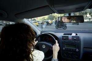 Turkmenistan prohibeix conduir a les dones