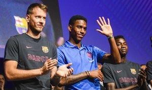 El Barça confirma el fitxatge de Junior Firpo