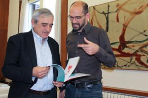 El alcalde de Sabadell, Maties Serracant, y el alcalde de Terrassa, Alfredo Vega, durante su primer encuentro oficial.