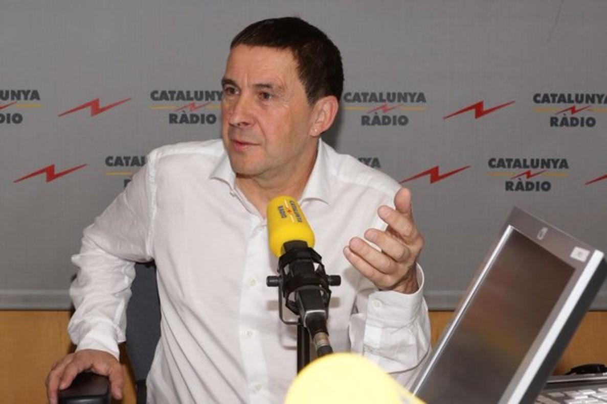 Arnaldo Otegi, durante la entrevista en El matí de Catalunya Ràdio.