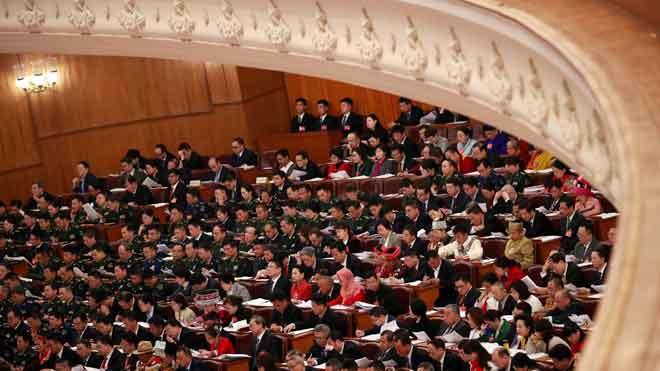 """La Xina s'arremanga per a les """"dures batalles"""" i redueix les seves expectatives econòmiques"""