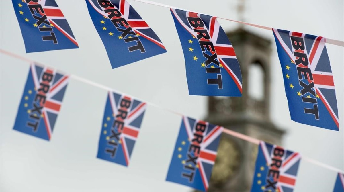 Banderas a favor del 'Brexit'.