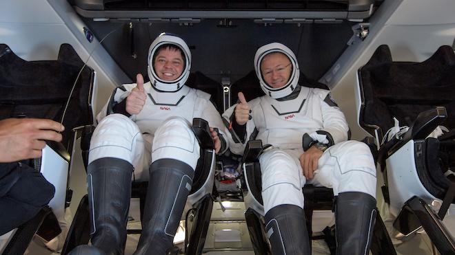 Bienvenidos a la Tierra y gracias por haber volado con SpaceX. Así ha sido el primer amerizaje americano en una década.