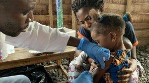 Campaña de vacunación contra el sarampión en Congo.