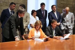 La consellera Borràs y varios miembros del Govern.