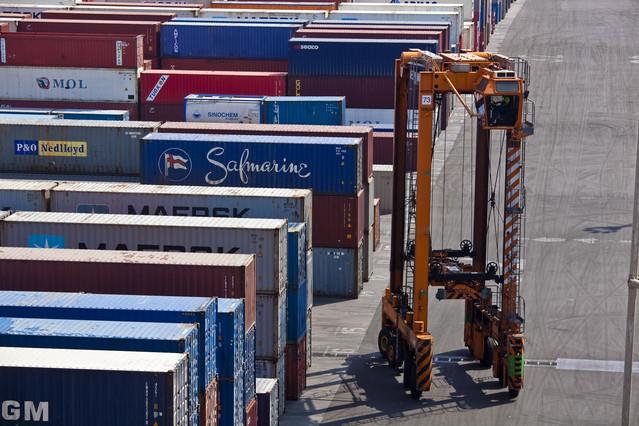 Contenedores de mercancías en el puerto de Barcelona.
