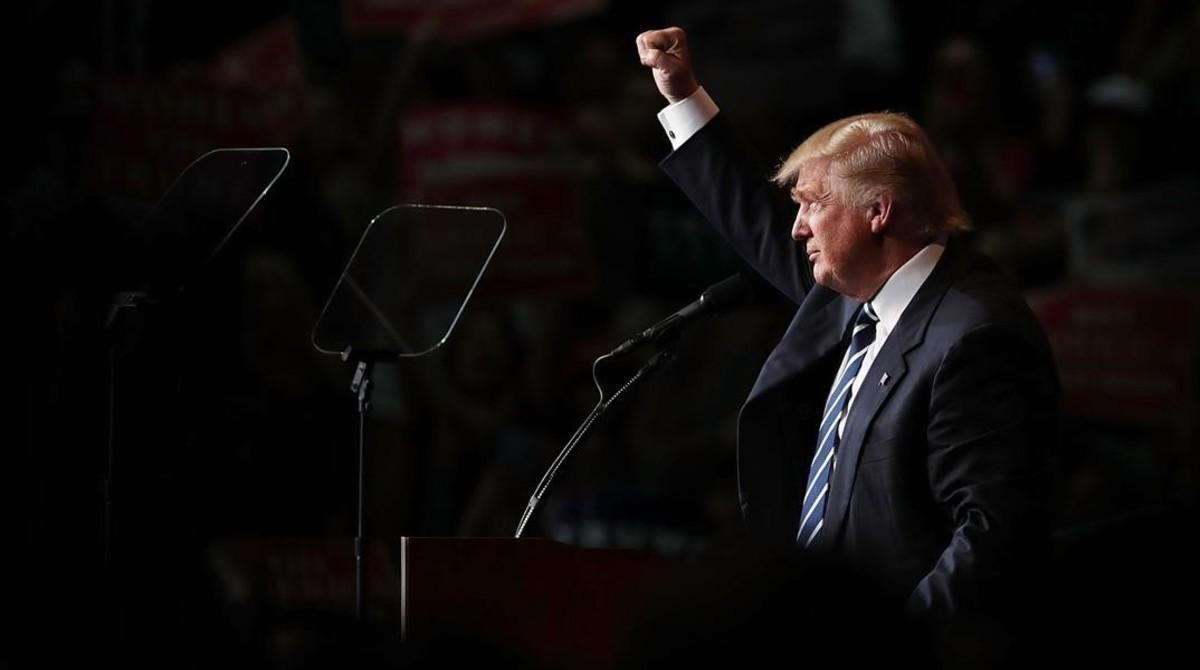 Donald Trump en un acto de campaña electoral en Wisconsin.