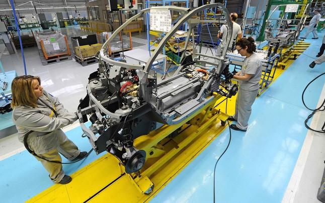 Empleados de la planta de Renault en Valladolid.