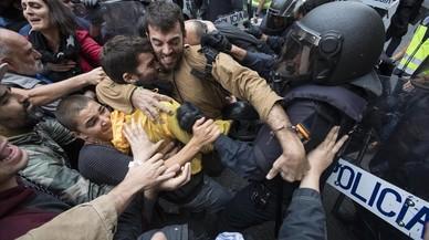 """Policías nacionales piden """"disculpas"""" por la actuación del 1-O"""