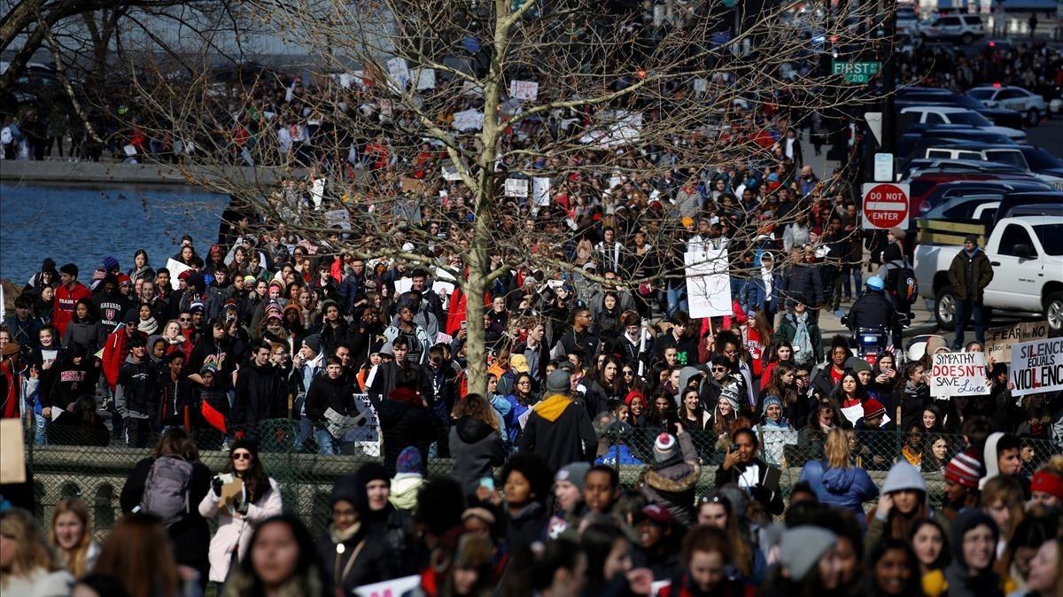 Estudiantes de Washington D.C. durante las manifestaciones del 14 de marzo para pedir normas más estrictas de tenencia de armas