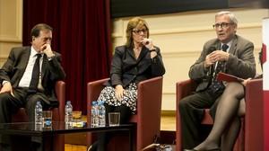 Eugeni Gay, Pilar Fernández Bozal y Xavier Arbós, en la presentación del manifiesto de Portes Obertes del Catalanisme.