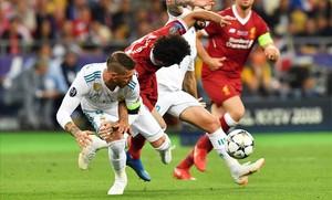 Piden en Change.org dejar a Sergio Ramos sin Mundial tras la falta a Salah