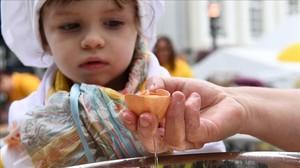 Festival de la tortilla en Malmedy, en la frontera alemana este martes.